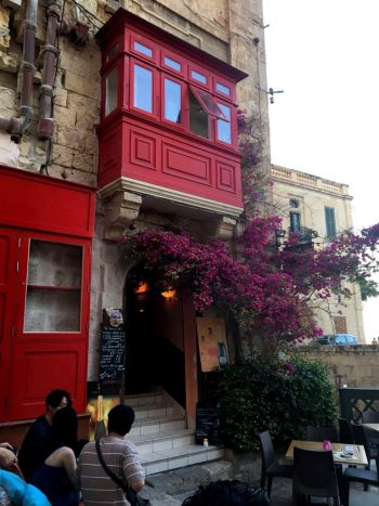 The Brigde Bar Malta 2 Zanzemos Thatiane Ferrari