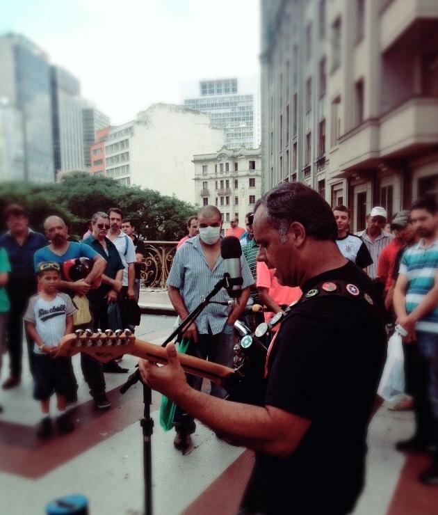 Guitarrista William Lee no centro de São Paulo