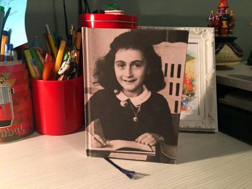 catálogo da casa de Anne Frank