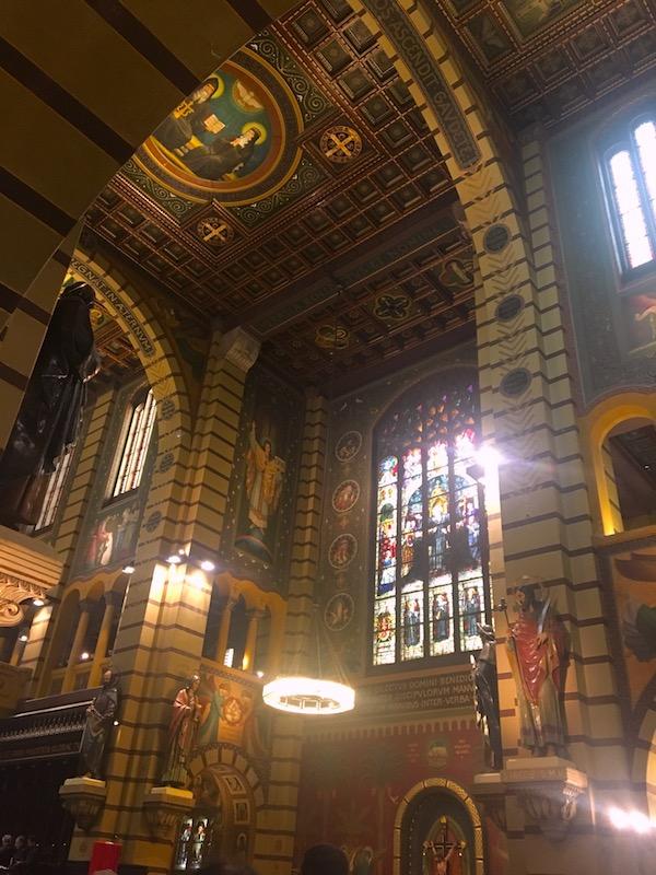 Missa com canto gregoriano no Mosteiro de São Bento