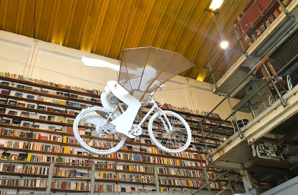 Livraria Ler Devagar dentro da LXFactory