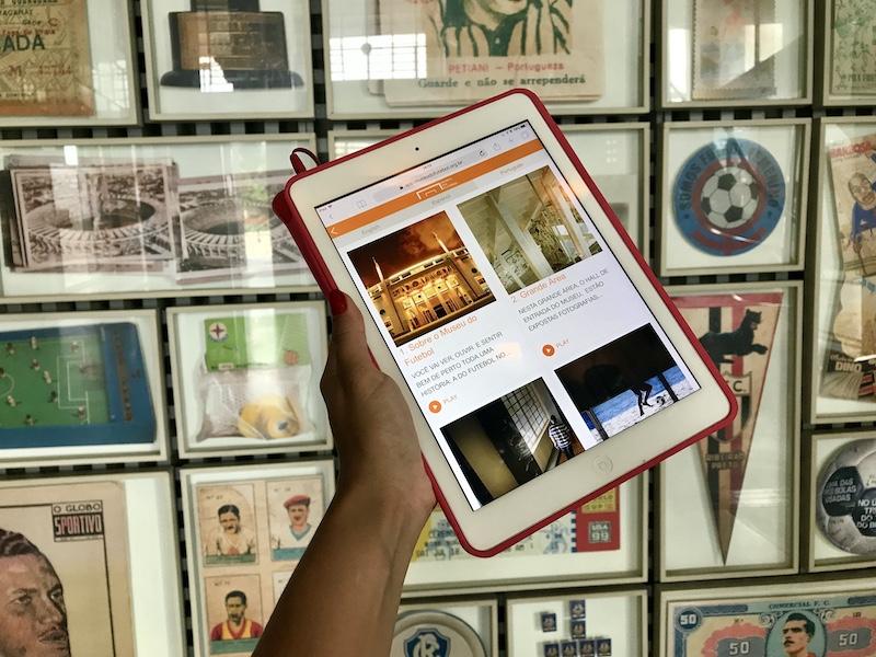 Áudio guia na visita do museu