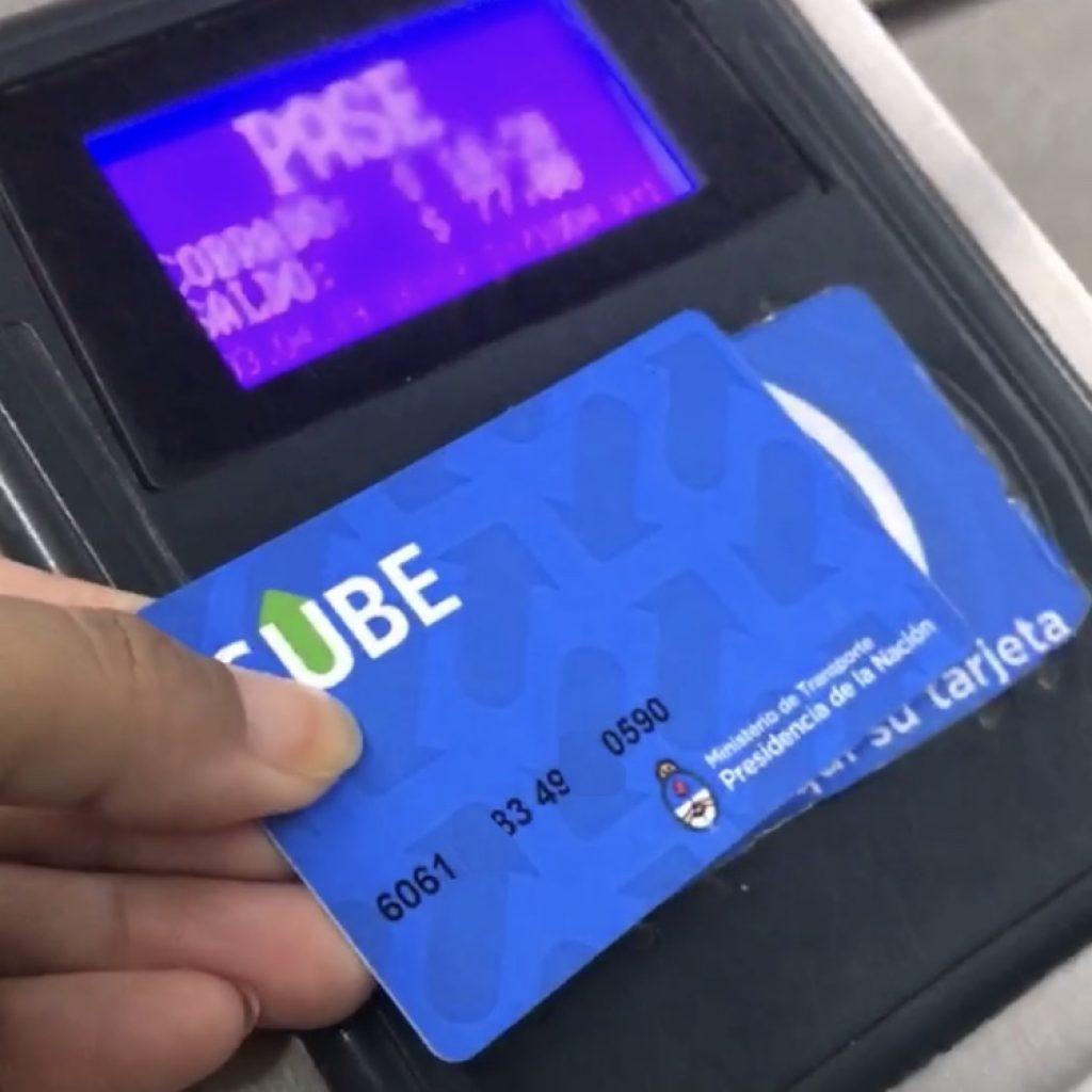 O transporte público deve ser pago com o cartão Sube