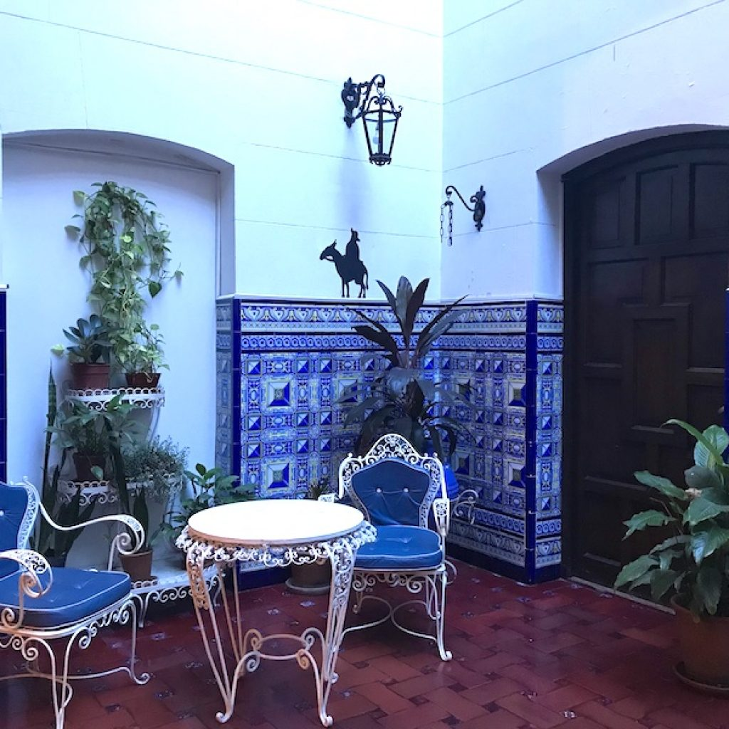 Pátio azulejado do Museo Evita