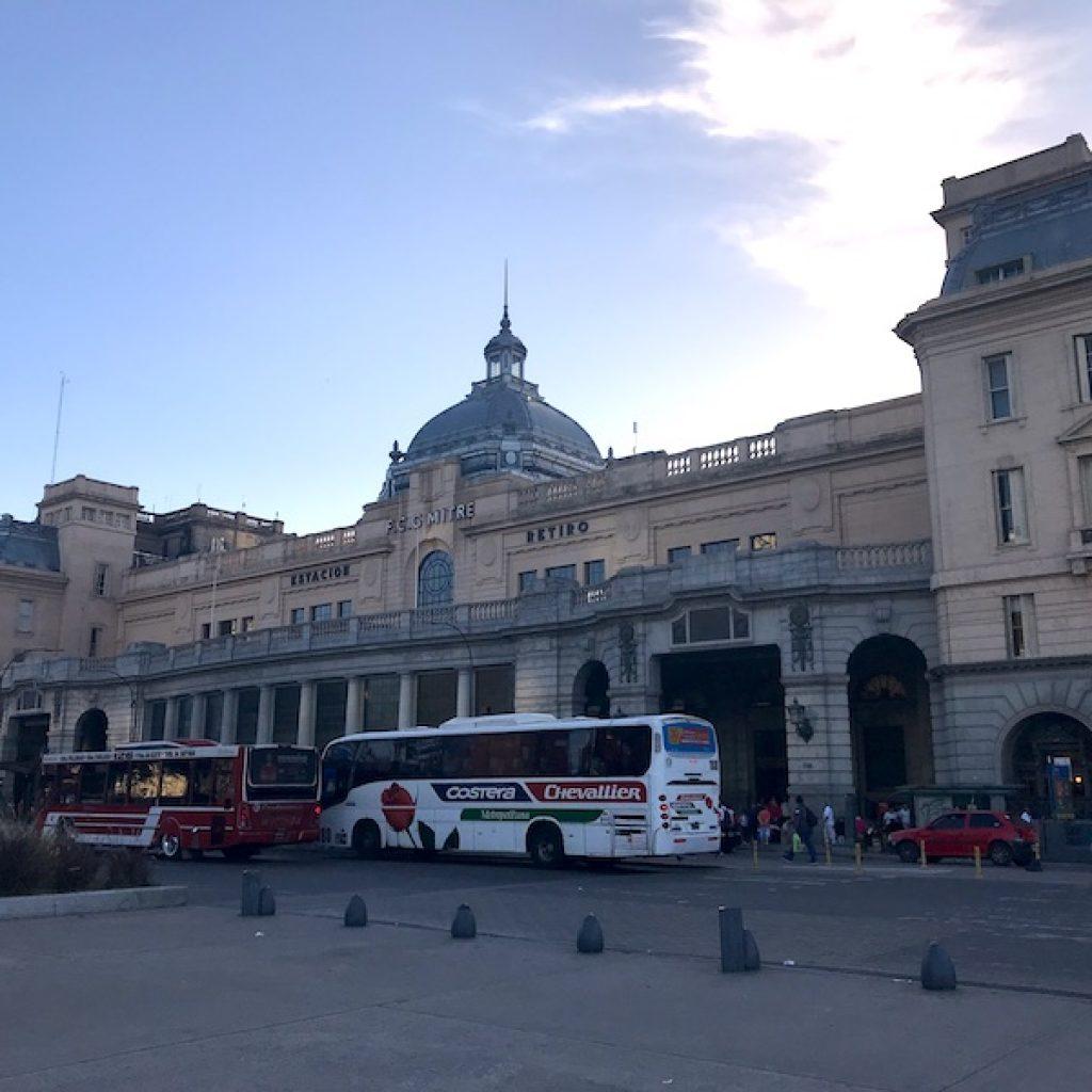 Estação Retiro - de onde partem  os trens para o Tigre