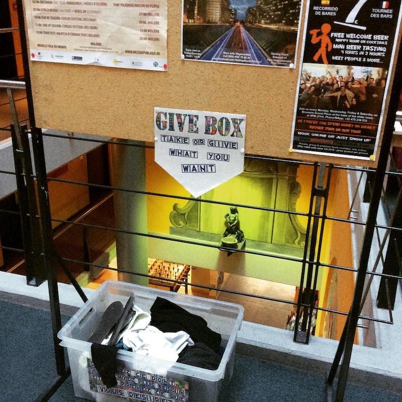 Caixa de doações no Hostel
