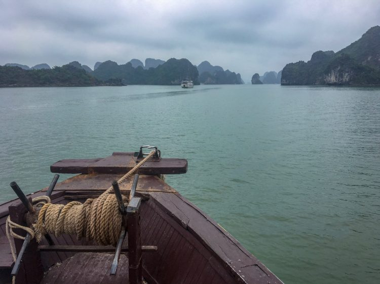 Tour Halong Bay nqidxgurn2fskdl9ebdyf7432euah7z0ffsmwtqs1g - Tour em Halong Bay no Vietnã: para econômicos
