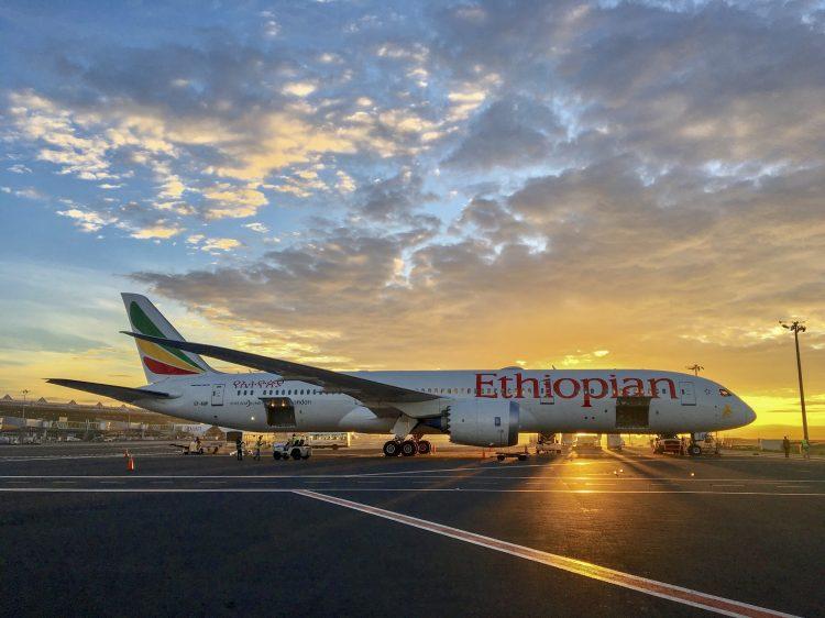aviao Ethiopian Airline nq2zk3sogubaj6rudmww1d9npa541mmj7nxa1oq2yc - Como é voar com a Ethiopian Airlines para a Ásia?